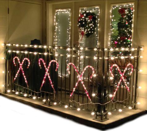 balcone con luci di natale