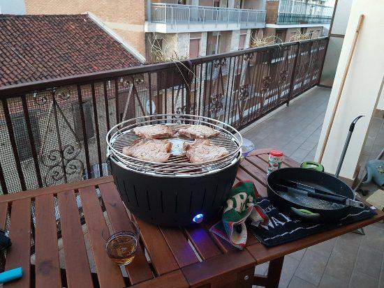 Barbecue da balcone senza fumo
