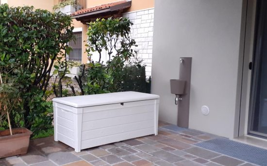 Baule bianco da terrazzo