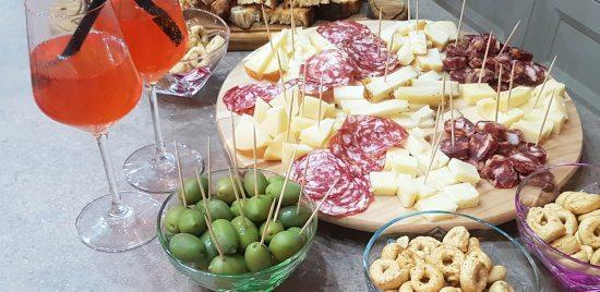 buffet aperitivo in terrazzo