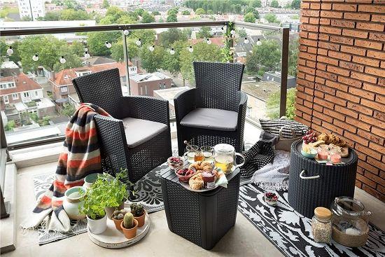 Set da balcone salvaspazio, tavolo contenitore e sedie