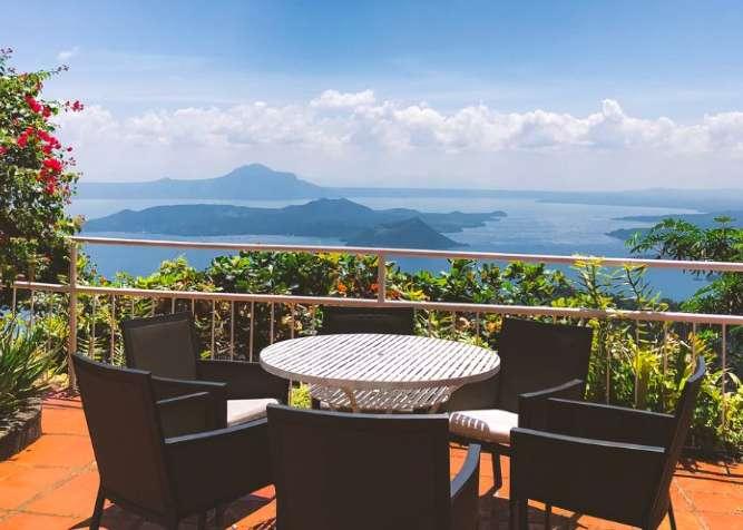 tavoli e tavolini per terrazzo e balconi