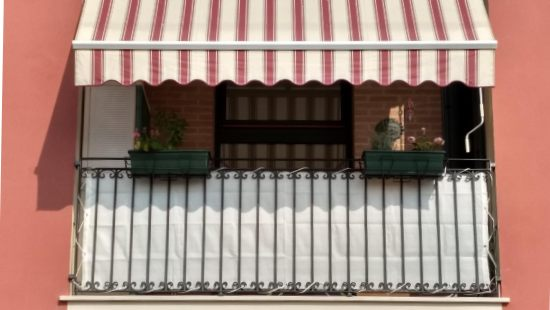 Telo frangivista per balcone
